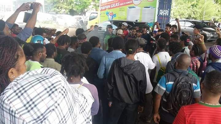 Mahasiswa Papua Makassar Desak Pemerintah Tutup Pt Freeport