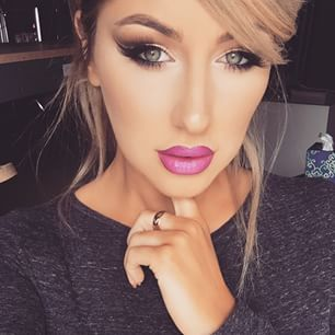 Pink lips.