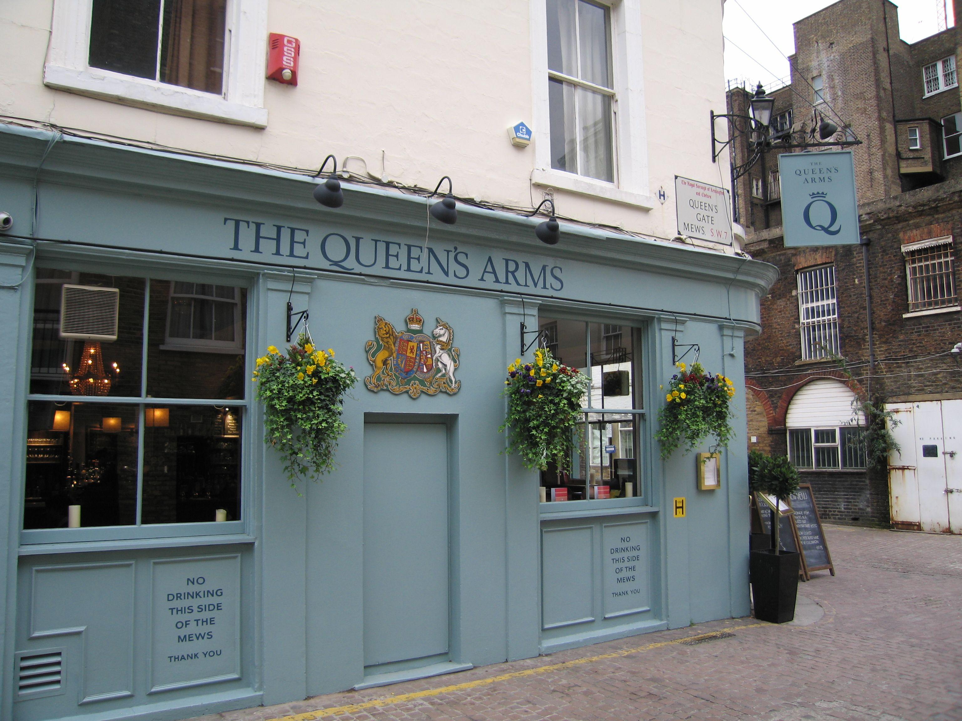 Queen's Arms pub / South Kensington, London