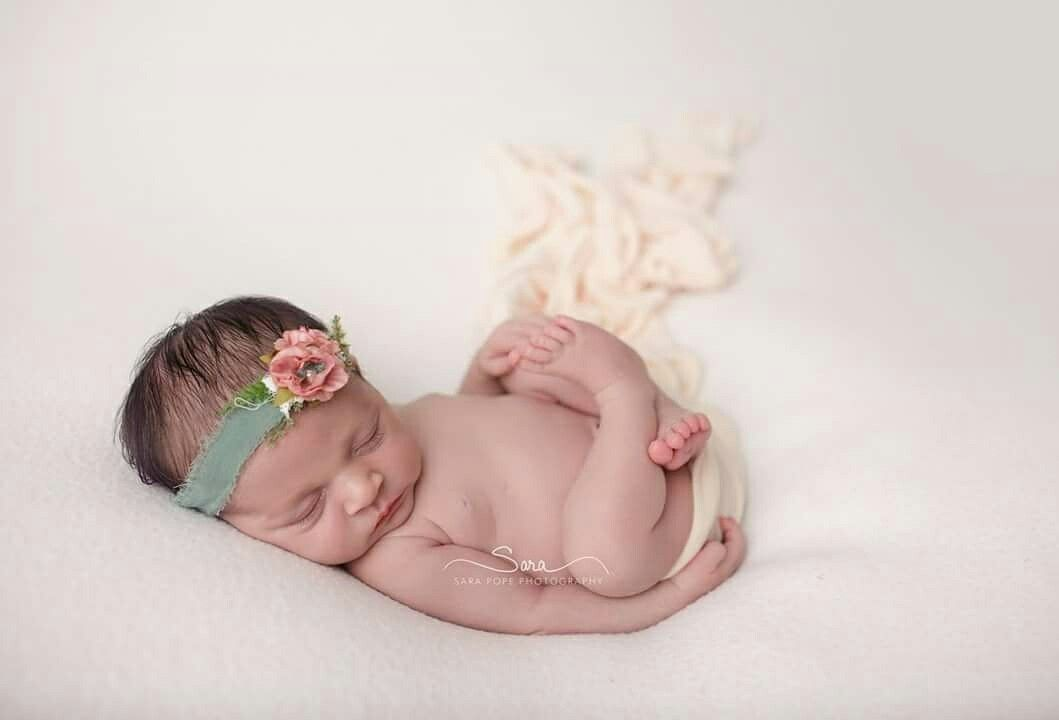 Newborn photographer by sara pope photography located in brentwood ca serving the bay area east bay specializing in maternity newborns children and