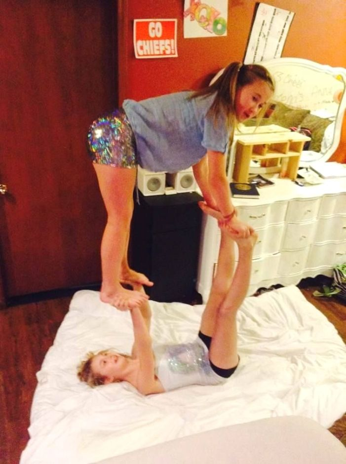 Hot Box Yoga Partneryoga Yoga Poses For Two Two Person Yoga Poses Two People Yoga Poses