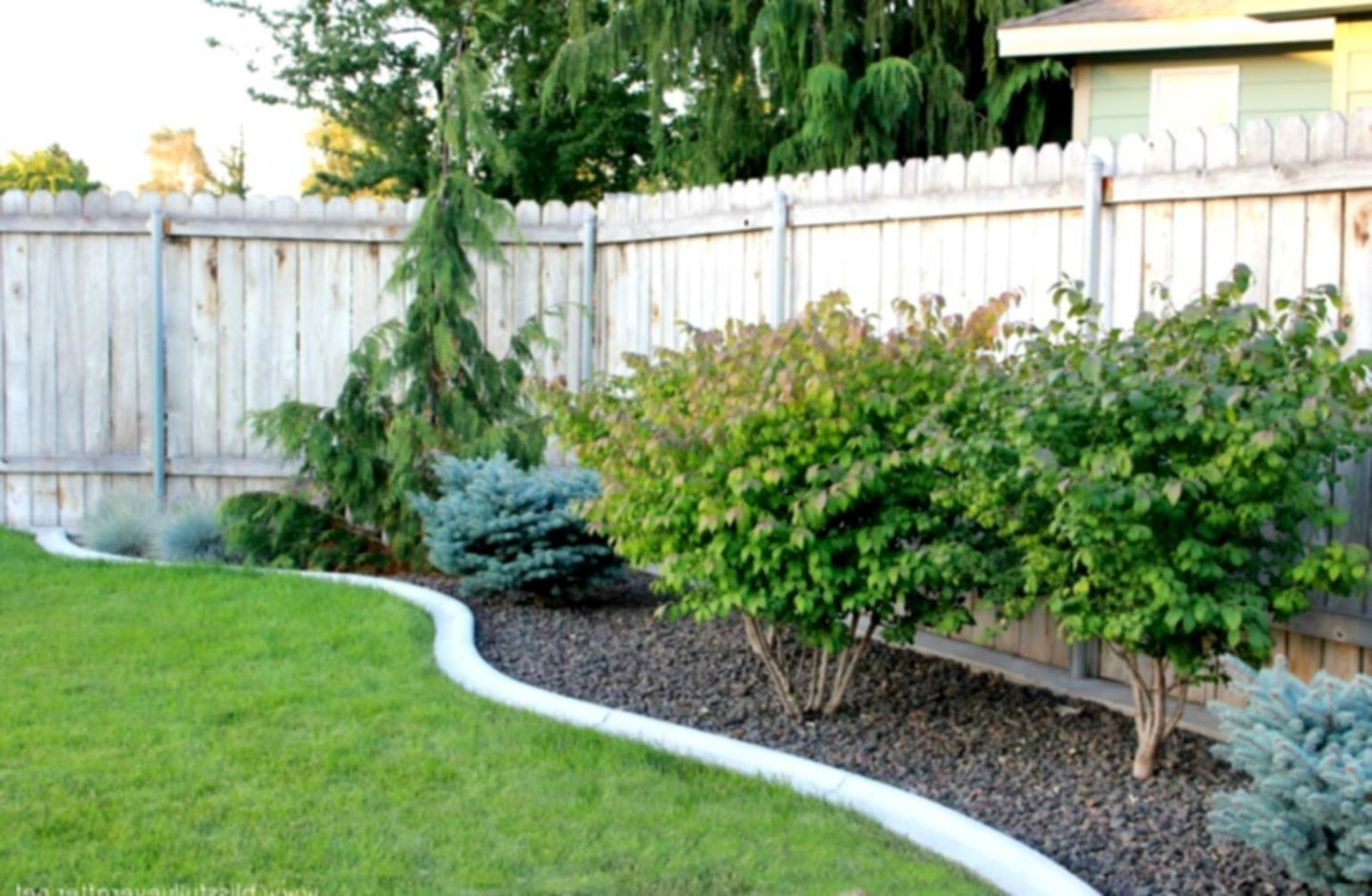 25 Simple Backyard Landscaping Design Ideas On Your Budget Large Backyard Landscaping Cheap Landscaping Ideas Easy Backyard Landscaping Backyard garden ideas simple