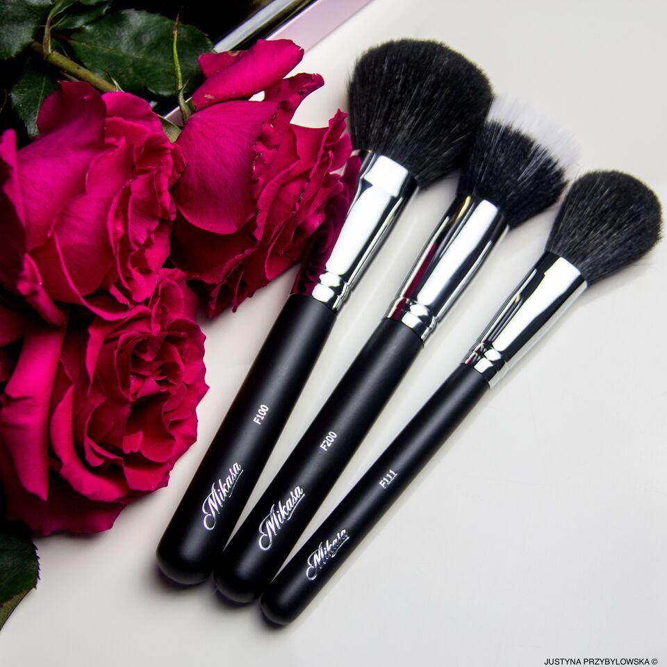 LETS TALK MAKEUP Essential makeup brushes, I heart