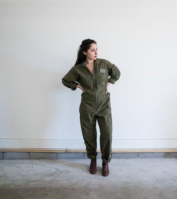 e94e6a0cc221 Vintage Army Green Flight Suit   Air Force Jumpsuit   Women s Medium  Coveralls