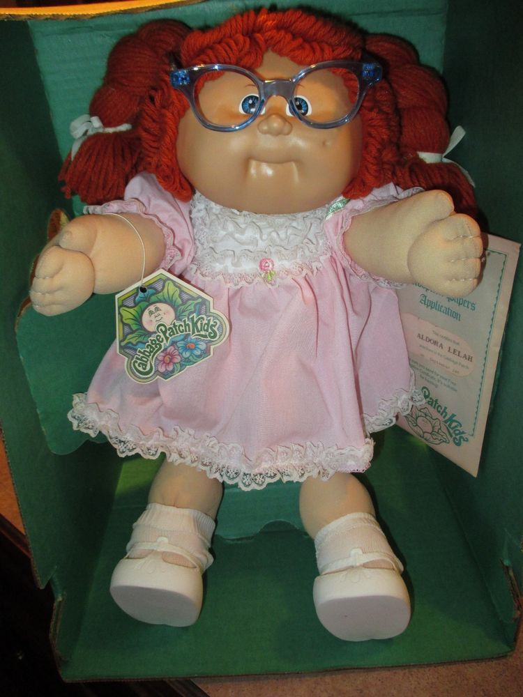 1985 Cabbage Patch Kid In Box Red Hair In Braids Blue Eyes Dimple Glasses Cabbage Patch Kids Rotes Haar