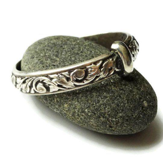 THE Original Filigree Thistle Pattern Ring ©