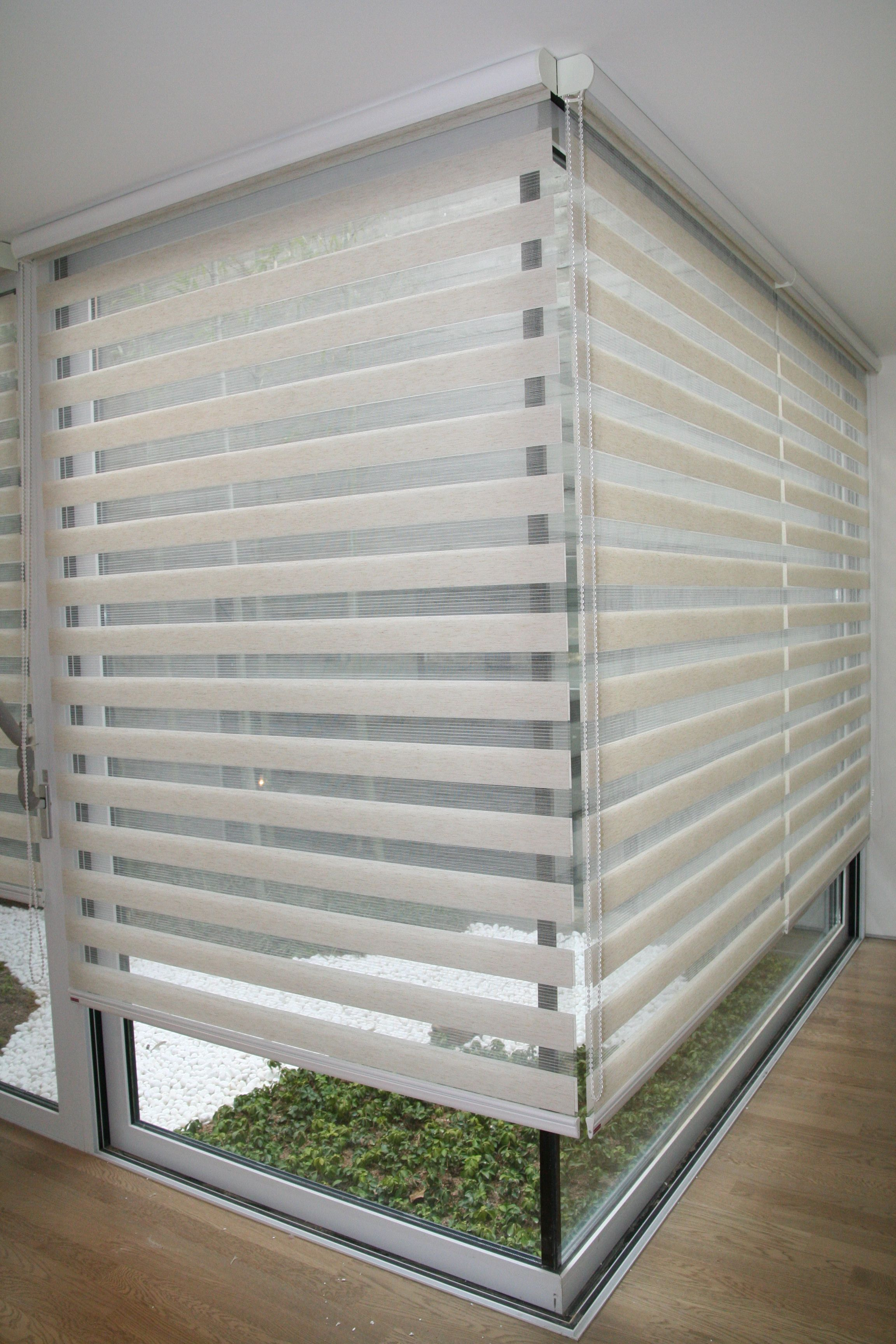 magic bathroom pin with wooden venetian blind pelmet pinterest blinds a