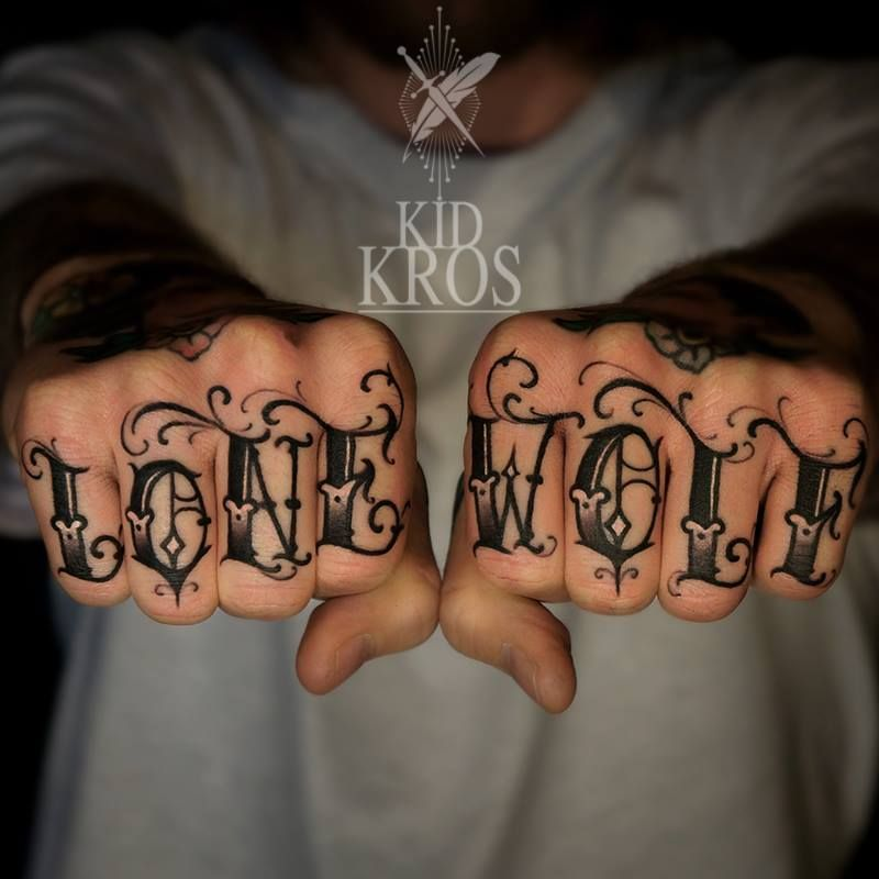 Love This Font Knuckle Tattoos Finger Tattoos Tattoo Lettering