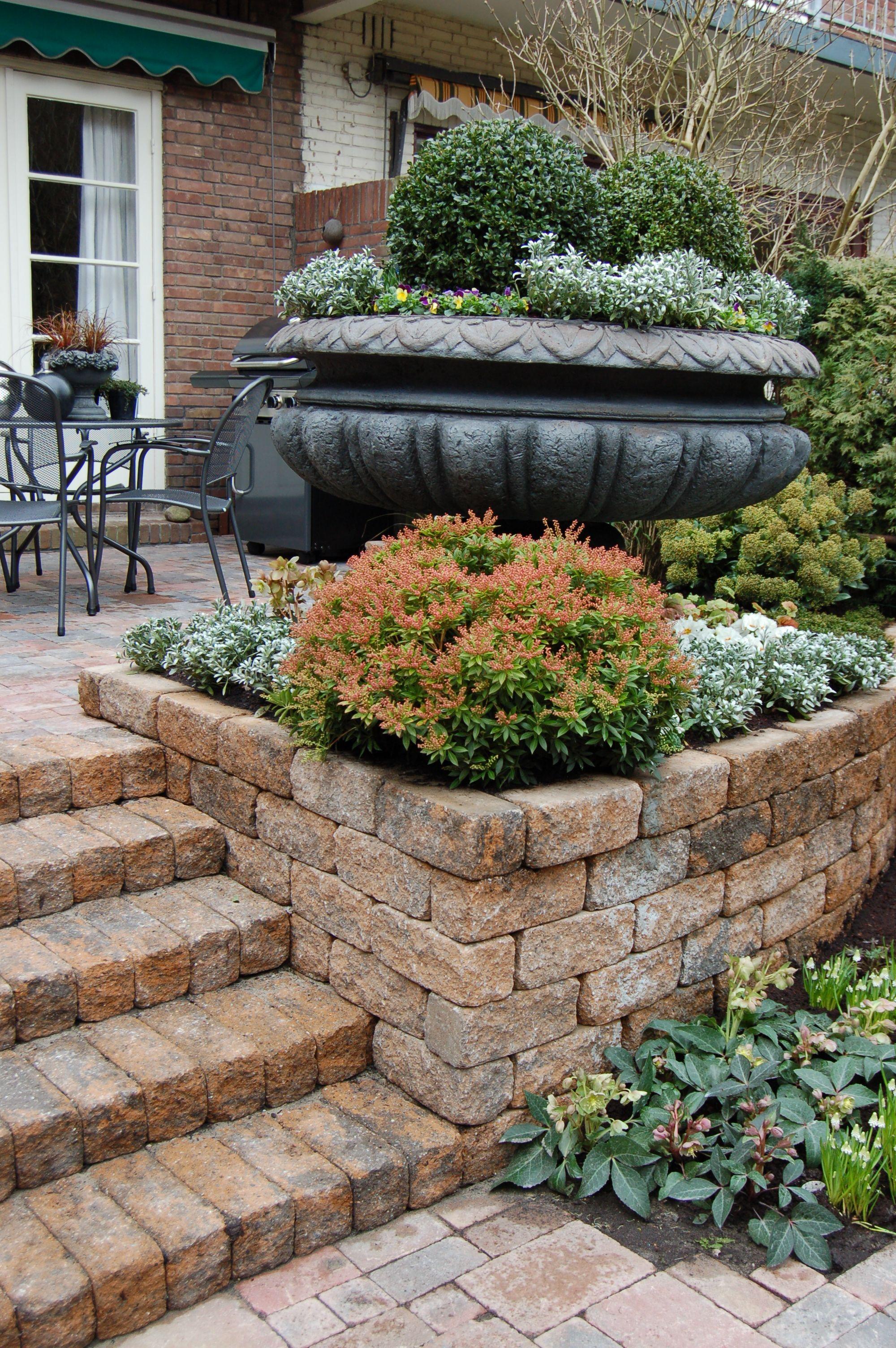 Verhoogde border afsluiting terras tuin ontwerp bestrating pinterest - Moderne tuin ingang ...