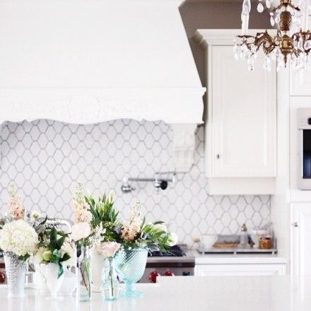 Jillian harris backsplash in mini avgnon by world mosaic for Jillian harris kitchen designs