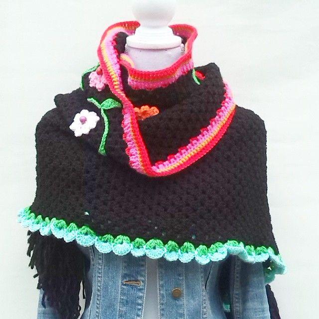 OmslagSjaal. In shop. #crochet #shawl #sjaal #ambela #omslagdoek