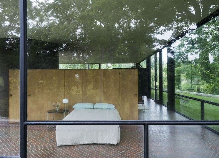 14 Lessons In Minimalism From The Glass House Vintage Bedroom