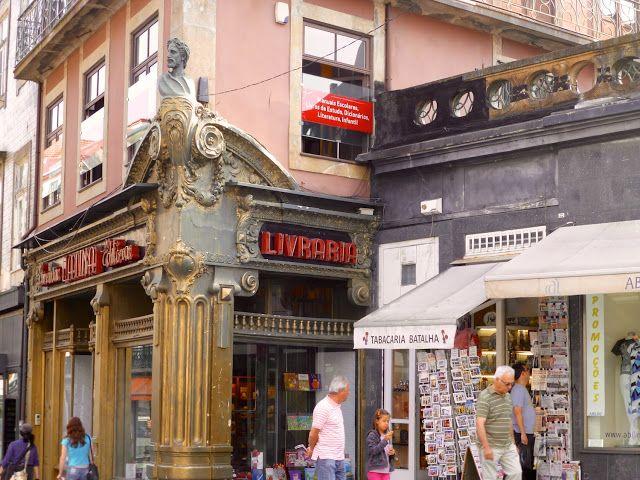 Oporto,Portugal.  Antigua librería Lello e Irmao