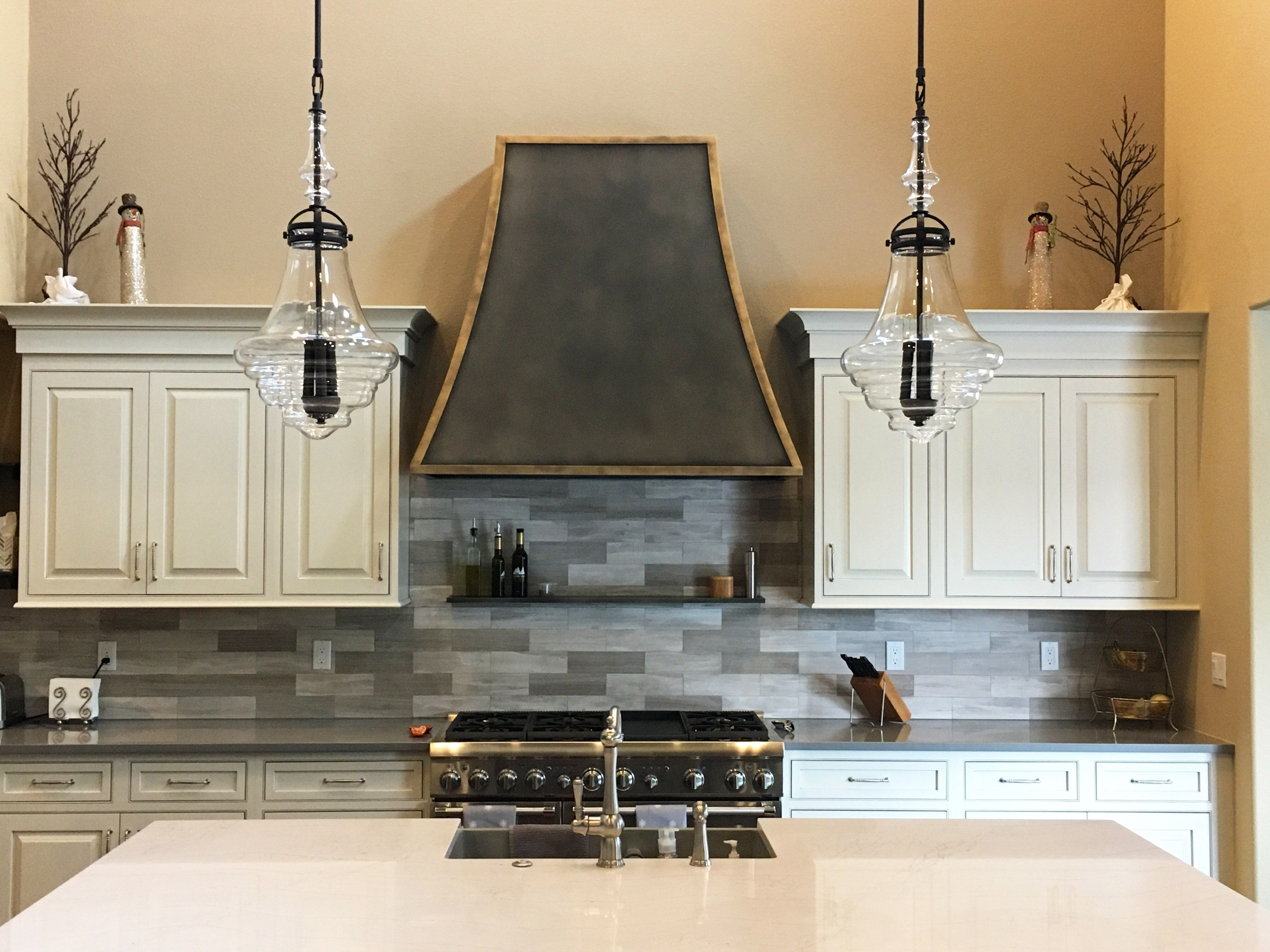 Custom Tabernash Range Hood From Raw Urth Designs In An Antique Patina With Gorgeous Antique Brass Detail Kitchen Hoods Kitchen Refinishing Kitchen Style