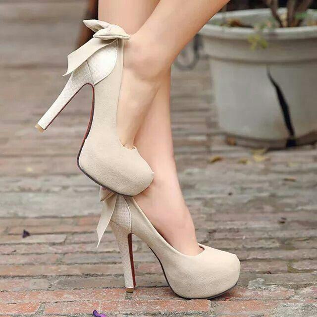 Hermosas zapatillas beige!