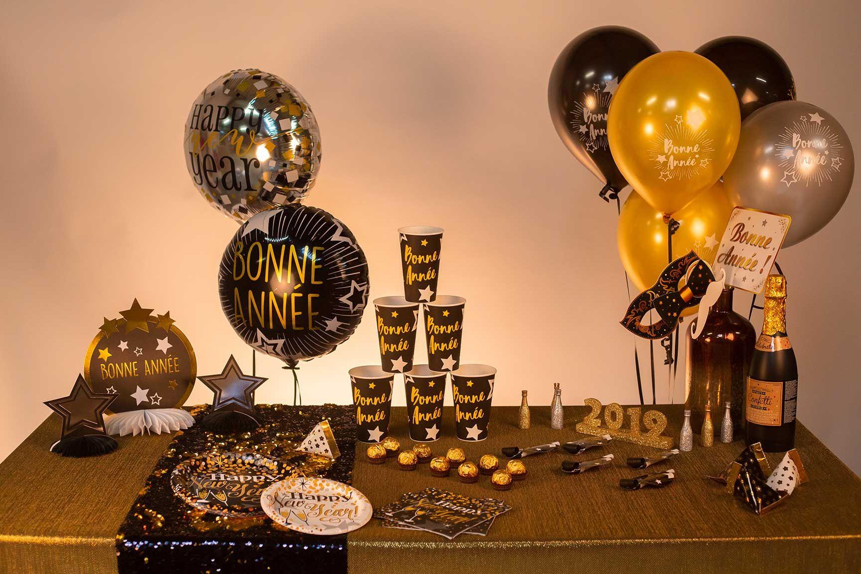 Ce Ballon Métallique Hélium - Bonne Année - Blanc et Or sera du plus bel  effet f0e1250f4da