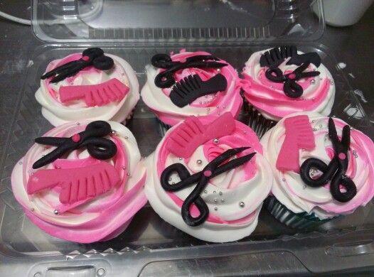 Dia del estilista #Cupcakes #tortaspersonalizadas  #cakes