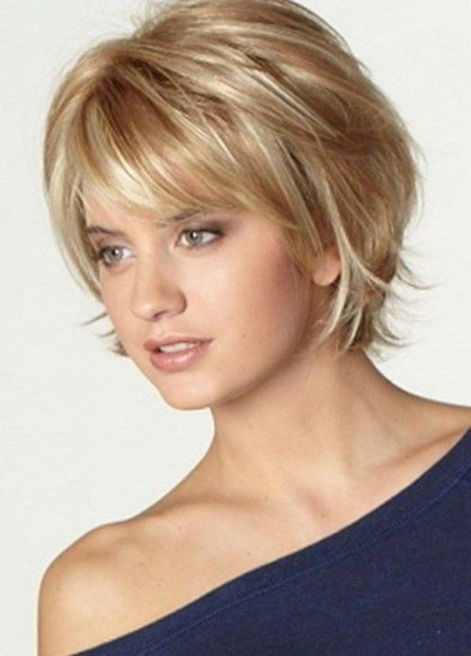 43 Modern Short Hairstyles For Women With Thick Hair Short Hairstyles Women In 2020 Cute Hairstyles For Short Hair Thick Hair Styles Short Hair Styles