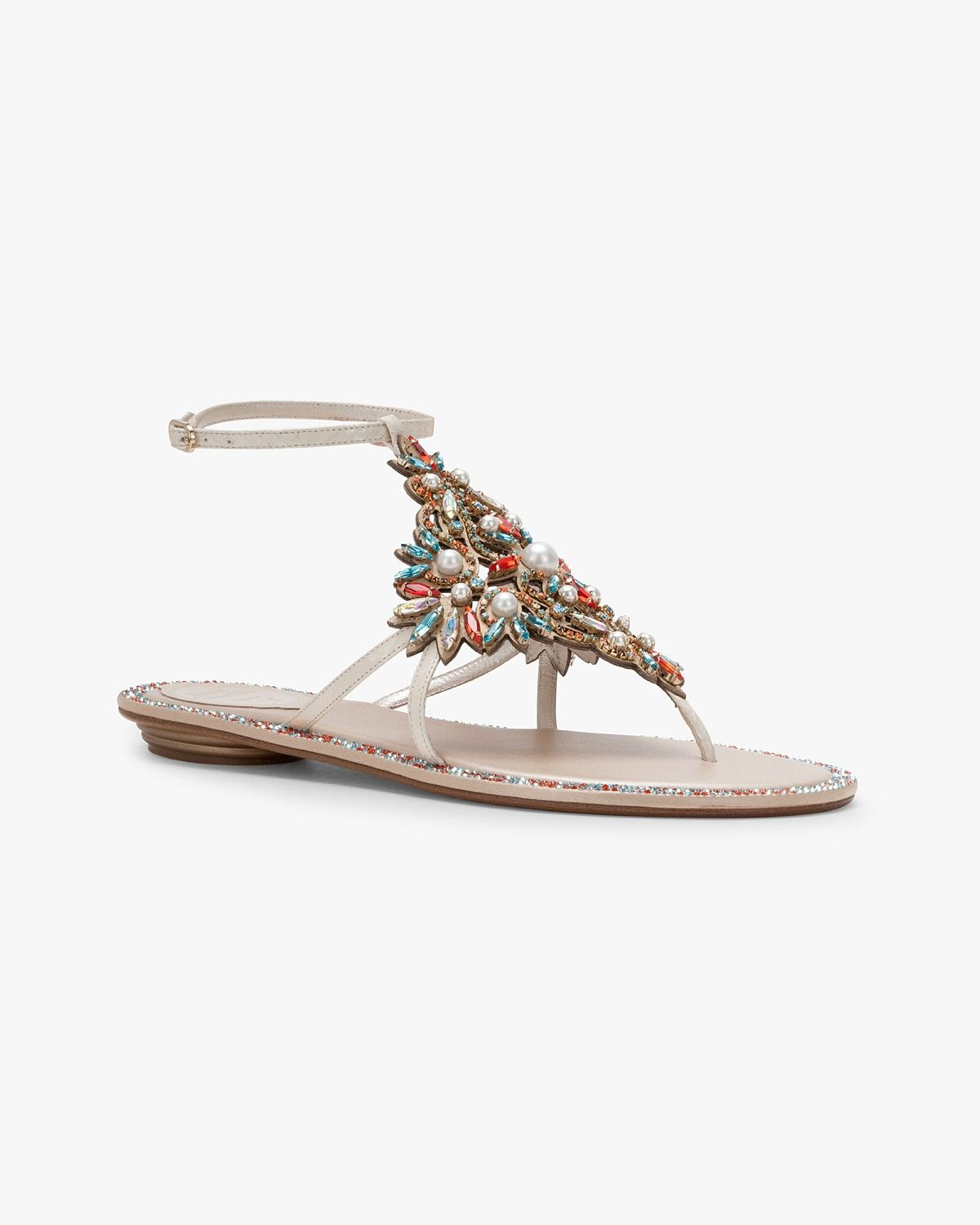 Leather sandal with stones