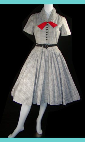 Darling 1950 s Black and white cotton short-sleeved summer dress with  pretty red bow 73c8279279e