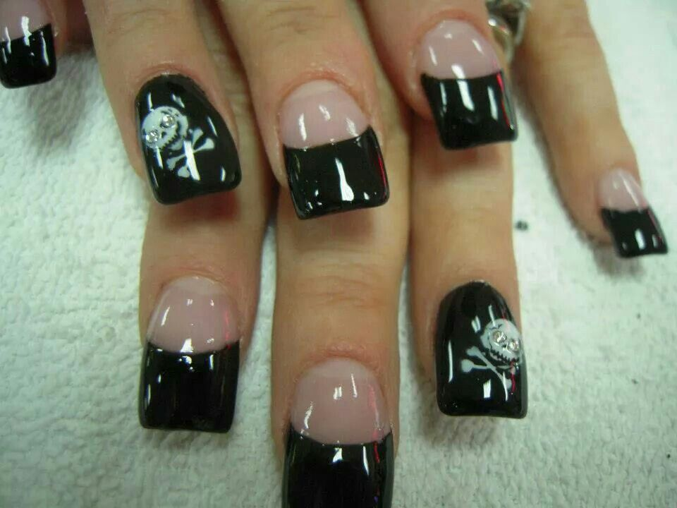 Black Tip Cross And Bones Skull Acrylic Nails