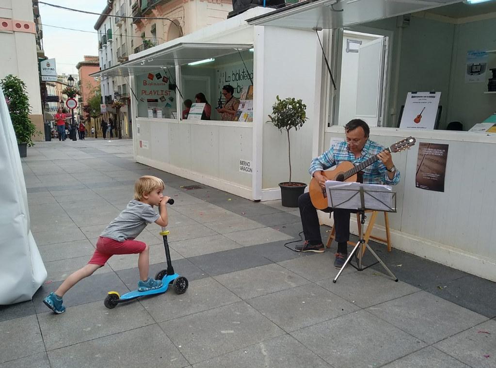 Participación De Las Bibliotecas Del Campus De Huesca Universidad De Zaragoza En La Feria Del Libro De Huesca 2019 Baby Strollers Children Stroller