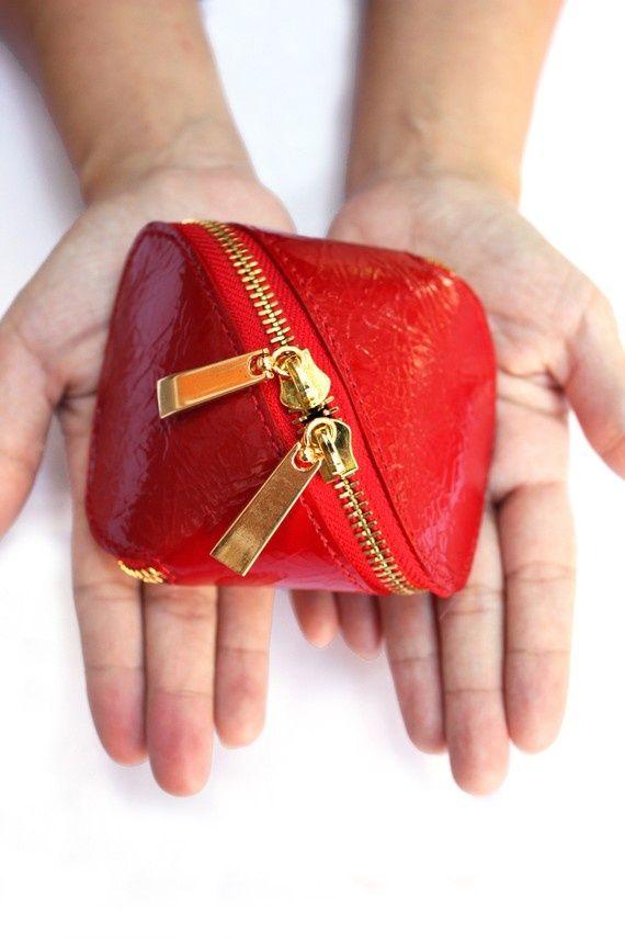 be6f89014366 Сегодня мы научимся шить оригинальную сумку-клатч, как у Josh Jakus,  известного своими необычными сумками из войлока. Итак, приступим.