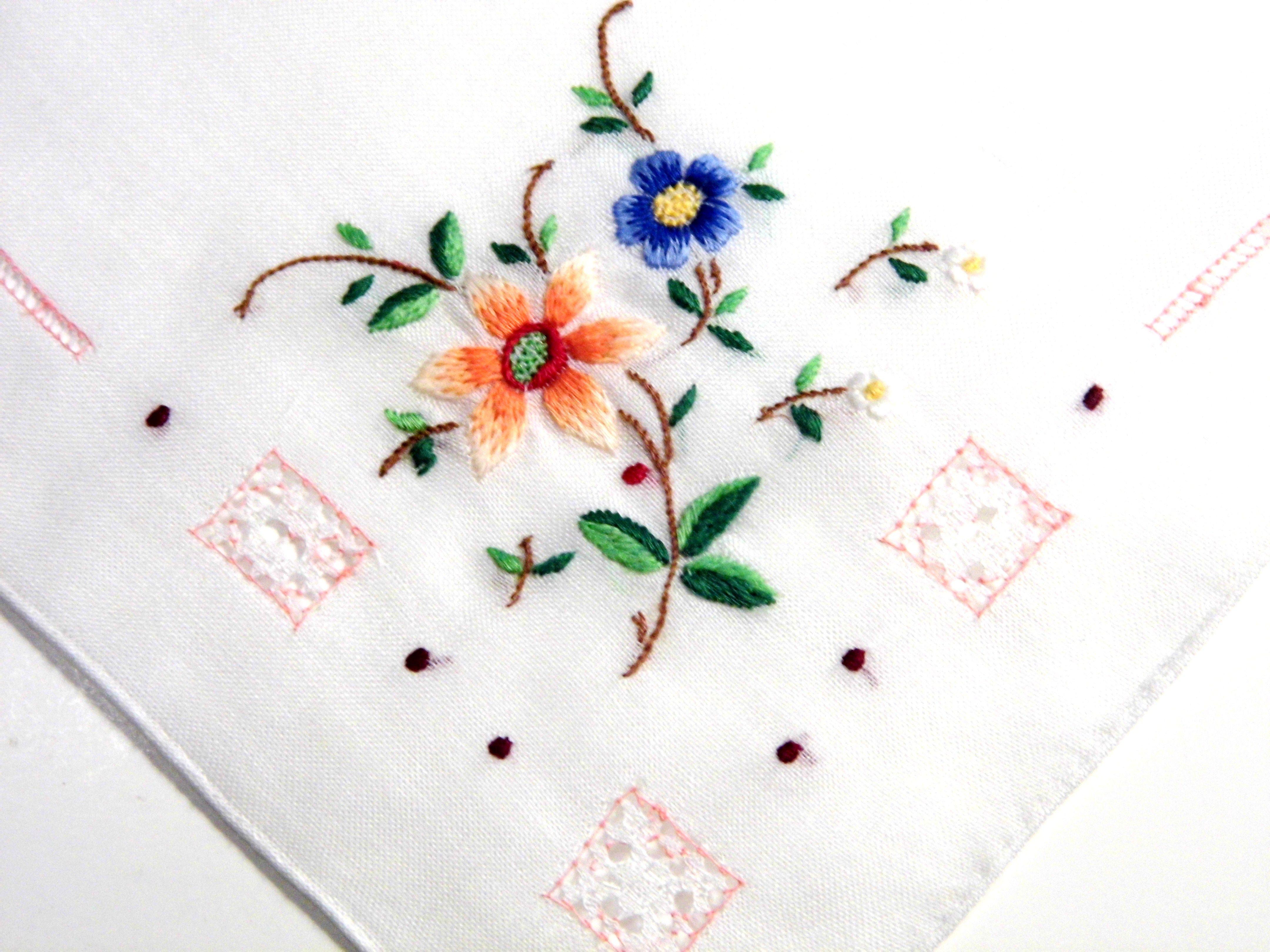 Allvintagehankiesetsycom Embroidered Vintage Handkerchief Needlepoint C 1920S