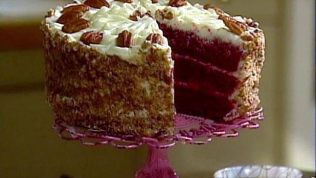 Cake Man Raven Shares His Red Velvet Cake And Cream Cheese Frosting Red Velvet Cake Food Network Recipes Southern Red Velvet Cake