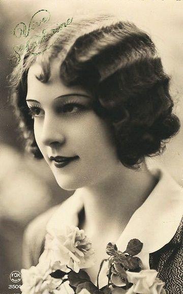 Curls Marcelled 1920s Called Skip Waves When I Became A Hair Dresser Hated Doing Them Pinner Said Portratt Gamla Fotografier Ansikten