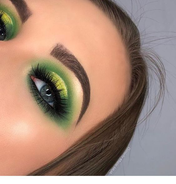 Green makeup, cute blue eyes #eyeshadowlooks