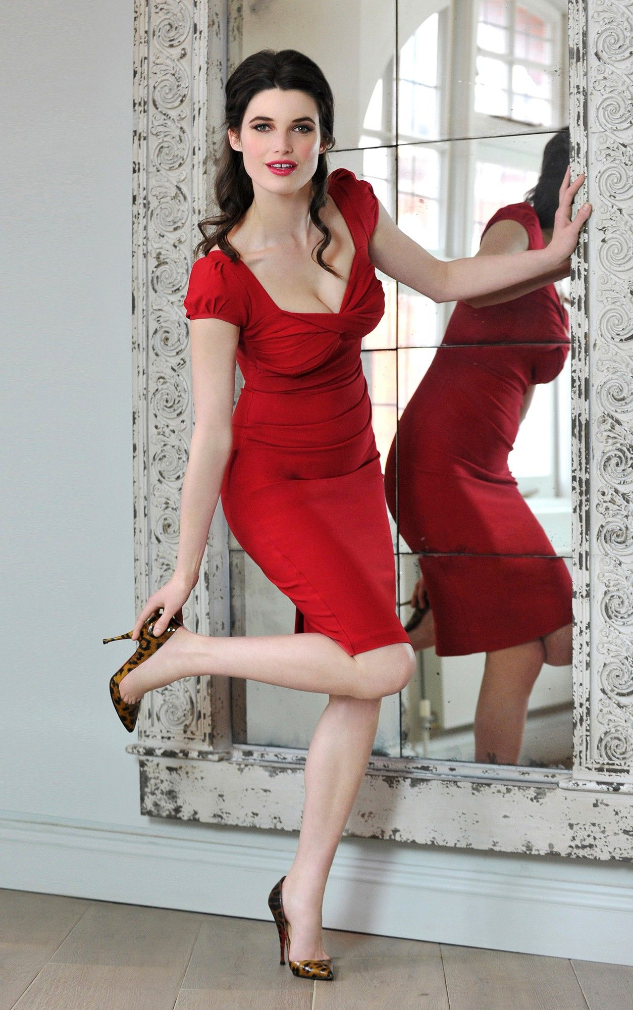 Nigella Dress in red. Bodycon Dress as worn by Nigella Lawson & Susan  Sarandon: