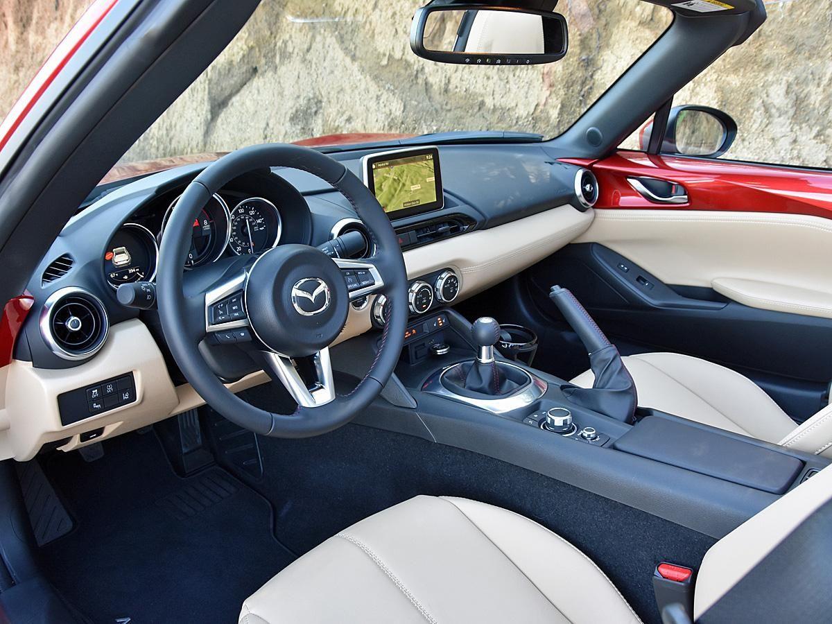 Nydn 2017 Mazda Mx 5 Miata Rf Tan Leather Interior Dashboard