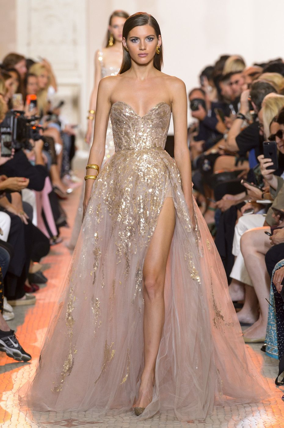 Elie Saab at Couture Fall 2018 | Dresses | Pinterest | Kleider ...