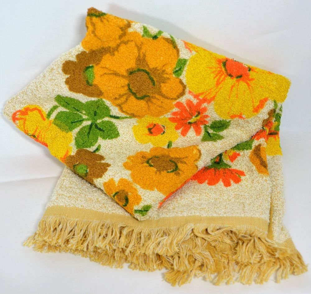 Vtg Cannon Bath Towel Yellow Brown Orange Green Floral Fringe