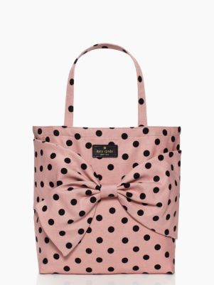 0685563cea43 I am totally crazy in love with this Kate Spade polka dot tote! This must  be mine!!