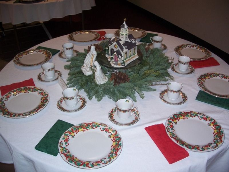 Nativity Christmas Table 1 A Jpg 800 600 With Images Christmas Table Christmas Table Centerpieces Christmas Table Decorations