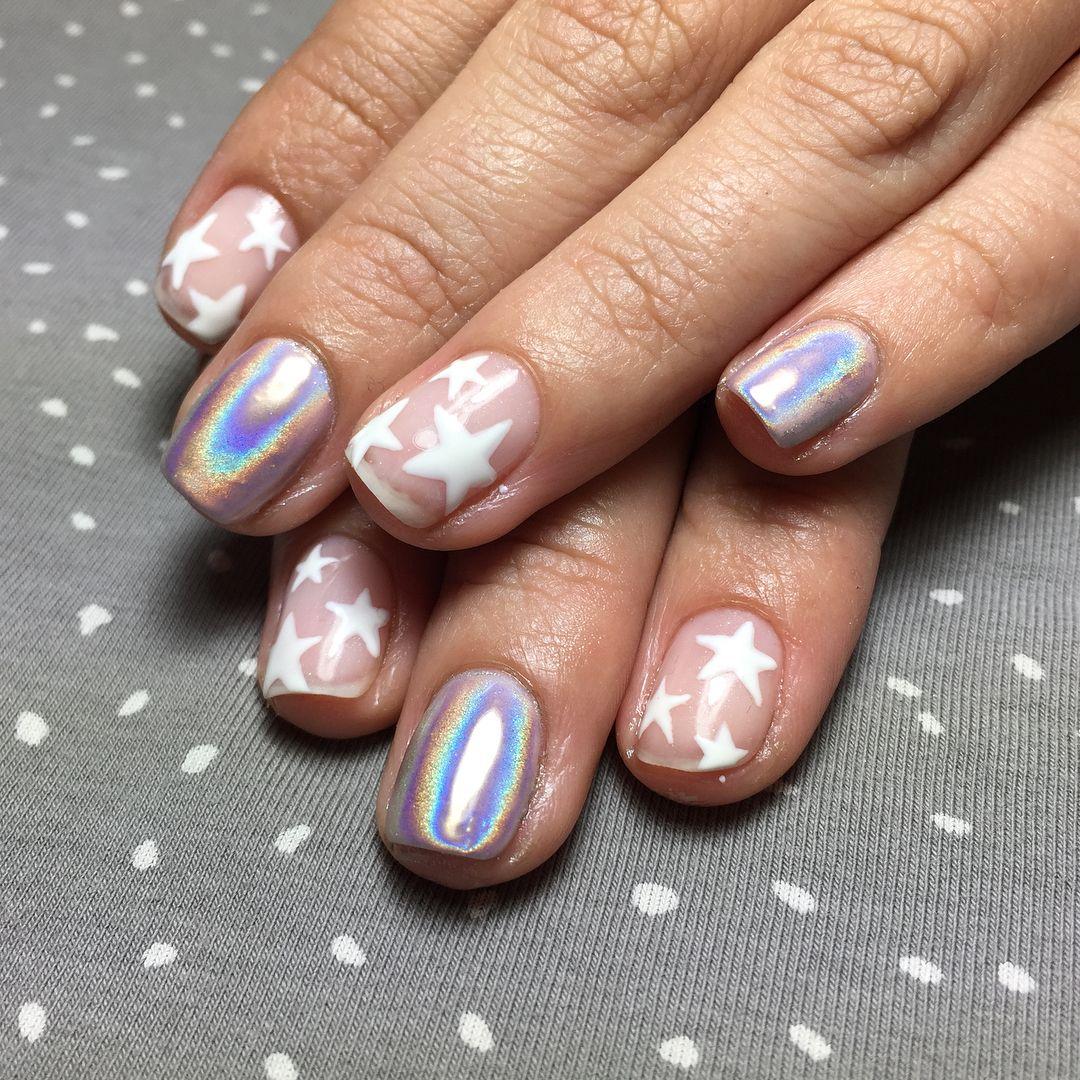 20 Manicuras estelares que harán que tus manos brillen por bonitas