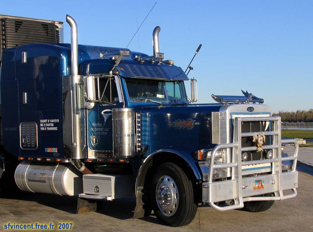 truck am u00e9ricain  u0026 39 peterbilt u0026 39   sur un parking de floride  le routier am u00e9ricain est g u00e9n u00e9ralement