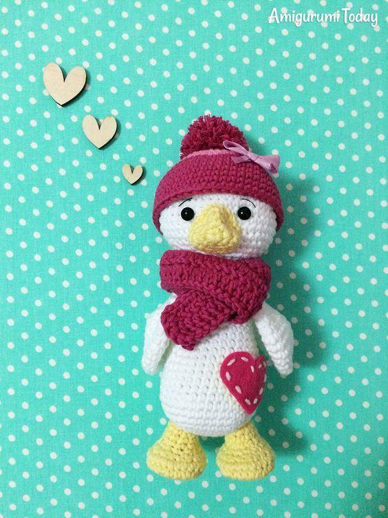 Crochet duck pattern by Amigurumi Today | crochet | Pinterest | Gato