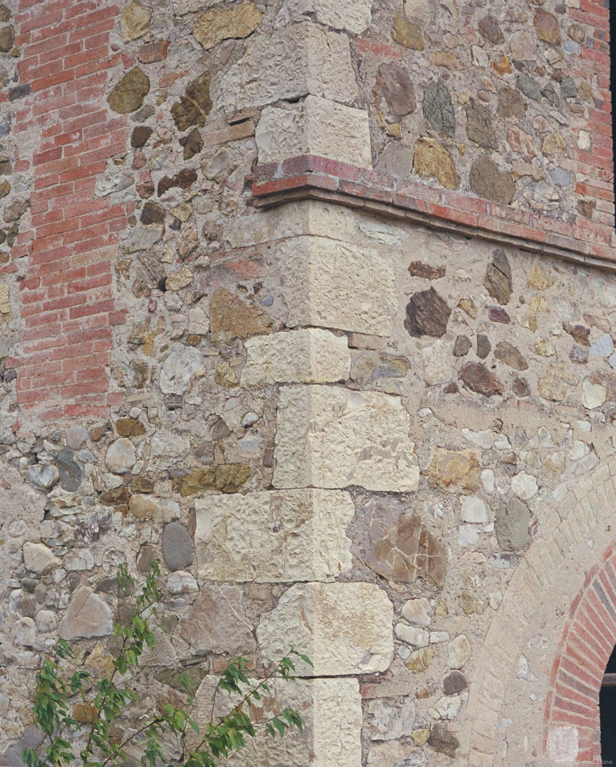 Limestone Quoins In A Rubble Wall In Love With This Stone