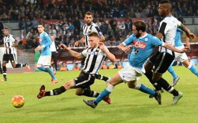 """Higuain, modalità Maradona il Napoli continua a volare Inter e Roma chiamano, il Napoli risponde. Higuain e soci, infatti, hanno assistito alla vittoria dei nerazzurri sul Torino e a quella dei giallorossi nell'attesissimo """"derby"""" contro la Lazio e succe #napoli #seriea #higuain #gol"""