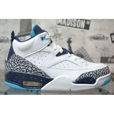 02033cac9c27 Sneaker Air Jordan Son of Mars Low bianche tomaia in pelle traforata e  Jumpman sul retro. Acquista online