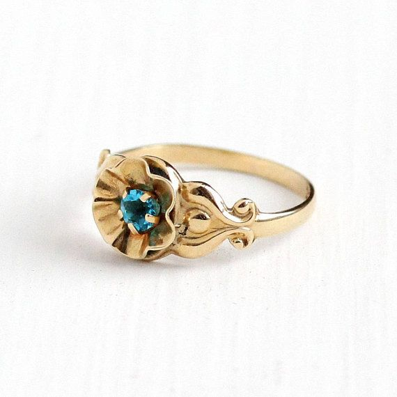Sale Vintage 10k Yellow Gold Teal Blue Stone Flower Ring 1940s Size 2 3 4 Pinky Ring Simulated Topaz Butterc Teal Jewelry Blue Stones Jewelry Topaz Jewelry