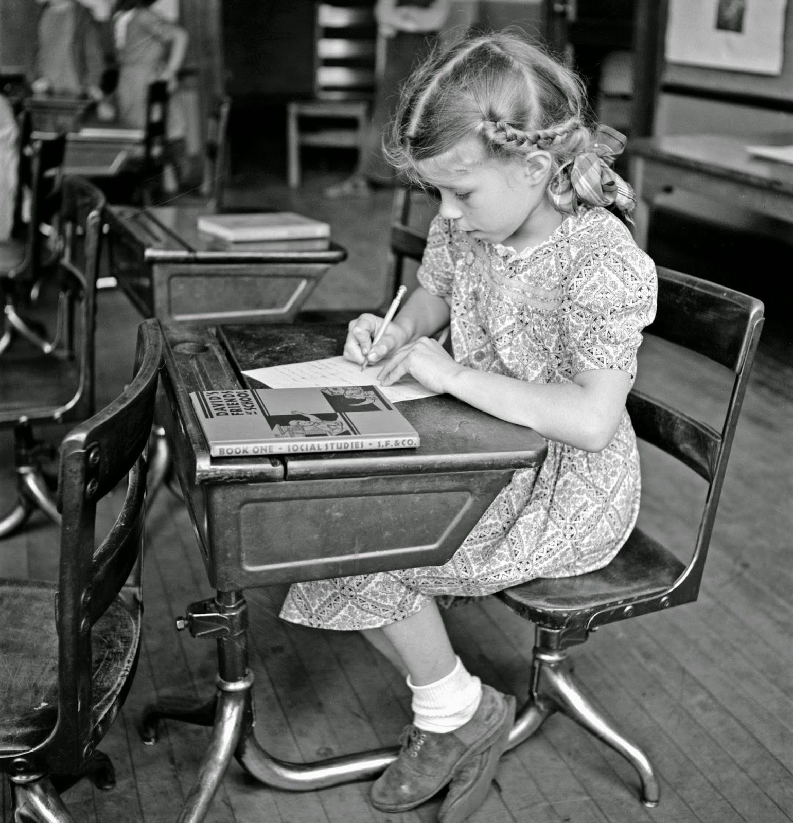Southington, Connecticut. School girl studying, May 1942. Photo by Charles Fenno Jacobs