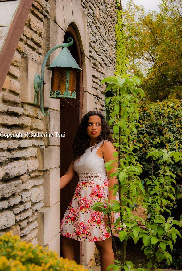 separation shoes c506a 88d27 Senior portrait. Class of 2017. Yew Dell Botanical Gardens. Crestwood,  Kentucky. Fairytale. Senior girl posing.