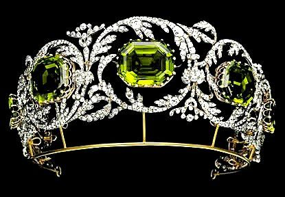 Peridot Tiara Of Austrian Archduchess Isabelle There Are 5 Peridot Stones In The Tiara Each Surrounded By A Scrollin Diamond Tiara Royal Jewelry Royal Jewels She sent agents to my home and they stole it while i was away. pinterest