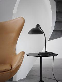 Republic of Fritz Hansen reedita la lámpara de escritorio del maestro Bauhaus Christian Dell