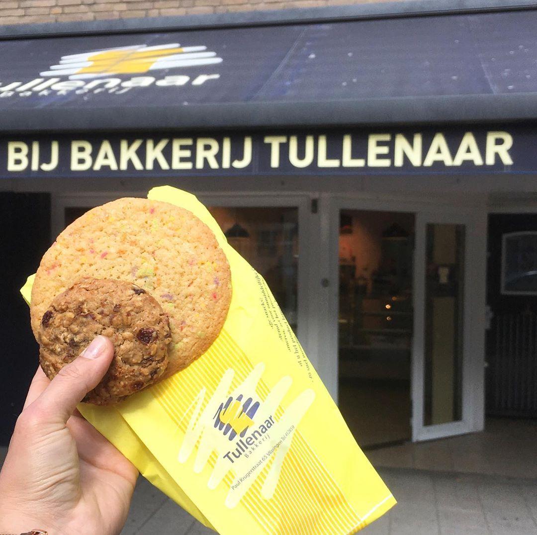 Gebakken DeliciousDOH koekjes koop je ook bij Bakkerij Tullenaar, in Vlissingen! 🍪 Deel dit met je Zeeuwse vrienden en share the love 💕 . . .