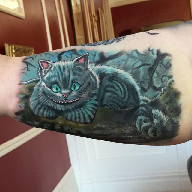 Cheshire Cat!   @fusionink @killerinktattoo @dermalizepro @hustlebutterdeluxe @cheyenne_tattooequipment @stencilanchored @bulldogpro @evolutionchords @blkpowder @tatsoul #brotherprinter #timburton #aliceinwonderland #aliceinwonderlandtattoo #cheshirecat #stephenfry #throughthelookingglass